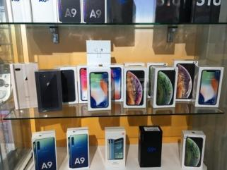 WWW.FIRSTBUYDIRECT.COM Apple iPhone XS Samsung S10